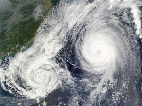 hurricane-67581_640
